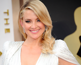 Kate Hudson in platinum jewelry