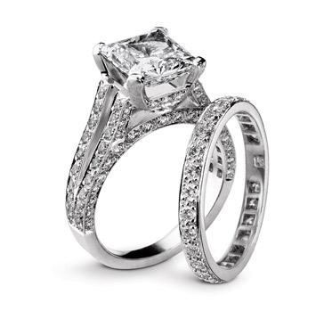 Gumuchian-Platinum-Bridal-Ring-Sets-270711-121736774650.jpg